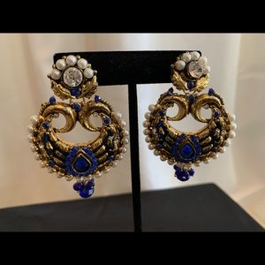Jewelry - Royal blue and gold earring